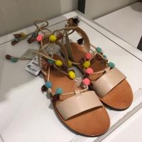 sandália alegre da Zara Kids