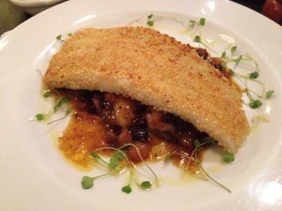 Linguado na crosta de quinoa