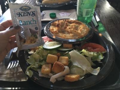 Minha escolha; Sheperd's pie com salada.