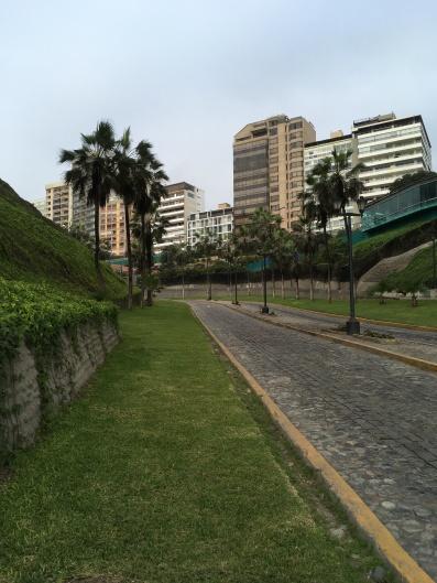 Parte alta de Miraflores em Lima, Peru